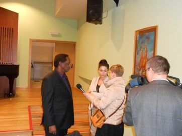 TV Interview, organized by American Corner in Radom, with Stan Breckenridge at Szkoły Muzycznej im. Oskara Kolberga w Radomiu.